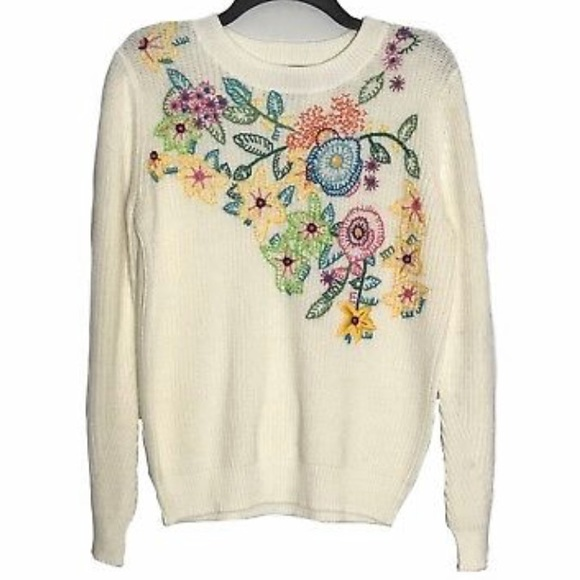 Chelsea & Theodore Sweaters - Chelsea & Theodore Floral Embroidered Sweater